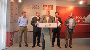 Foto: El PSPV estudiar denunciar a Barberá, Rus y otros alcaldes por mantener símbolos y honores franquistas (EUROPA PRESS)