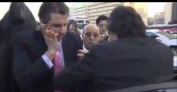 Foto: Agredit l'ambaixador dels EUA a Corea del Sud (YOUTUBE)