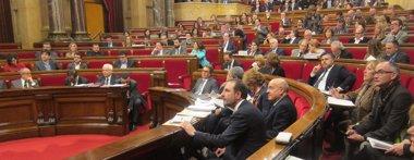 """Foto: Homs al PP: """"Ustedes sólo gastan billetes de 500 euros debidamente puestos en un sobre"""" (EUROPA PRESS)"""