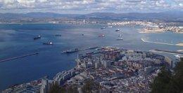 Foto: El 'HMS Triumph' abandona la zona de Gibraltar (EUROPA PRESS)