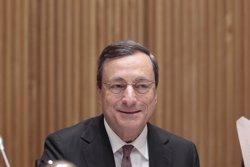 Foto: Grècia/BCE.- Draghi ofereix més liquiditat d'emergència a Grècia, però la manté al marge de les compres de bons (EUROPA PRESS)