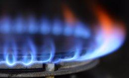 Foto: ¿Cómo ahorrar y evitar el timo en la factura del gas? (REUTERS)
