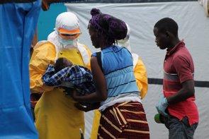 Foto: El virus del ébola es más mortal en los niños pequeños (MARTIN ZINGGL /MSF)