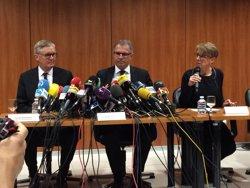 Foto: Acc.Aeri.- La vicepresidenta de Lufthansa explica les causes a 60 familiars a Castelldefels (EUROPA PRESS)