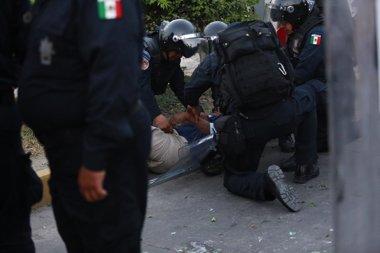 Foto: Enfrentamientos entre policías y no