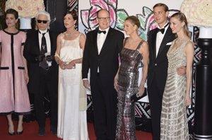 Foto: Baile de la Rosa: la ausencia de Charlène y la presencia de Karl Lagerfeld (GETTY)