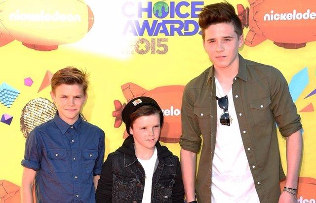 Foto: Brooklyn, Romeo y Cruz Beckham se lo pasan 'pipa' en los Kids Choice Awards (GETTY)
