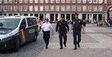 Agentes de la policía francesa y portuguesa se integran en la Policía Nacional para reforzar la atención al turista