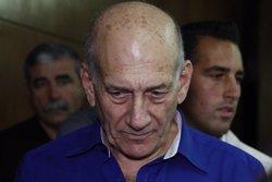 Foto: Condemnat per acceptar suborns, l'exprimer ministre israelià Ehud Olmert (REUTERS)