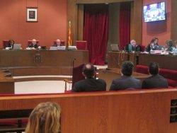 Foto: Un any i 4 mesos de presó per a Fernández i Bustos (PSC) per la col·locació a dit de Montcada (EUROPA PRESS)