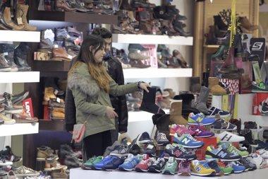 Foto: Cantabria sigue liderando el incremento de ventas y empleo en el comercio (EUROPA PRESS)