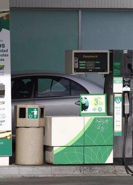 Foto: El consumo de carburantes sube un 3,1% en febrero y suma tres meses al alza (EUROPA PRESS)