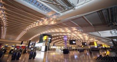 Foto: Un 4,4% más de pasajeros en aeropuertos ingleses durante 2014 (DAN KITWOOD)