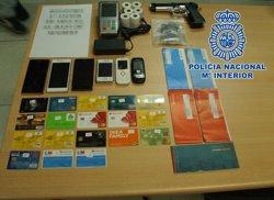 Foto: Detingudes 54 persones per ús fraudulent de targetes bancàries estrangeres (POLICÍA)