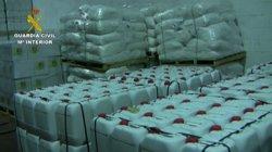 Foto: 28 detinguts per fabricació i comercialització il·legal de fitosanitaris (GUARDIA CIVIL)