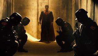 Batman v Superman: 12 imágenes clave del primer tráiler