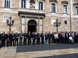 Foto: Successos.- Artur Mas i Xavier Trias presideixen un minut de silenci pel professor mort (EUROPA PRESS)