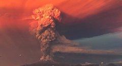 Foto: Espectaculares imágenes de la erupción del volcán Calbuco (Chile) (STRINGER CHILE / REUTERS)