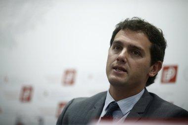 """Foto: Rivera dice que """"seguramente"""" quitaría las concertinas (EUROPA PRESS)"""