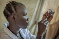 Foto: Médicos sin Fronteras pide conocer los precios de las vacunas en cada país (MSF/YANN LIBESSART)