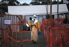 Foto: Estas son las mejores fotografías del año y el ébola es protagonista (JOHN MOORE/GETTY IMAGES)
