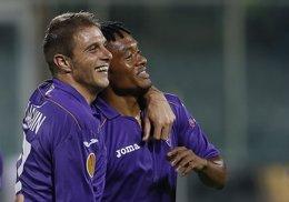 Foto: La Fiorentina de Valero y Joaquín, último escollo del Sevilla a Varsovia (ALESSANDRO BIANCHI / REUTERS)