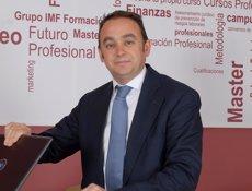 """Foto: Carlos Martínez (IMF Business School): """"La precariedad se amortiguaría con un contrato único"""" (CEDIDA)"""