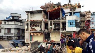 Foto: Las imágenes del devastador terremoto que ha sacudido Nepal (NAVESH CHITRAKAR / REUTERS)