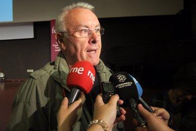 """Foto: Cayo Lara diu que els poders financers """"'deconstitueixen' l'Estat"""" (EUROPA PRESS)"""