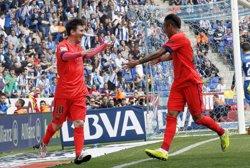 Foto: Mossegada a la Lliga al derbi (0-2) (REUTERS)