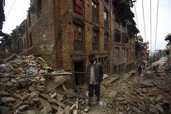 Foto: Ascendeixen a 3.218 els morts a causa del terratrèmol al Nepal (NAVESH CHITRAKAR / REUTERS)