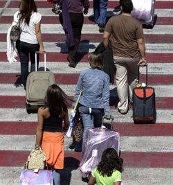 Foto: Els turistes estrangers han gastat 2.289 milions a Catalunya fins al març, un 12,6% més (EUROPA PRESS)