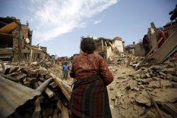Foto: Últim balanç: 6.841 morts i més de 14.000 ferits (NAVESH CHITRAKAR / REUTERS)