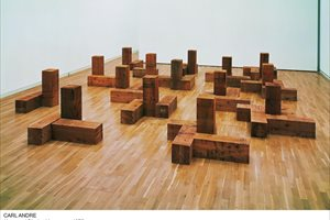 Foto: CARL ANDRE/LICENSED BY VAGA