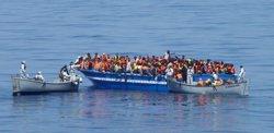 Foto: Una immigrant rescatada dóna a llum a bord una nena (MARINA ITALIANA)