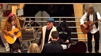 U2 en el metro de Nueva York