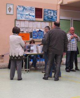 Foto: Cómo se elige a los miembros de la mesa electoral, funciones y ausencias (EUROPA PRESS)