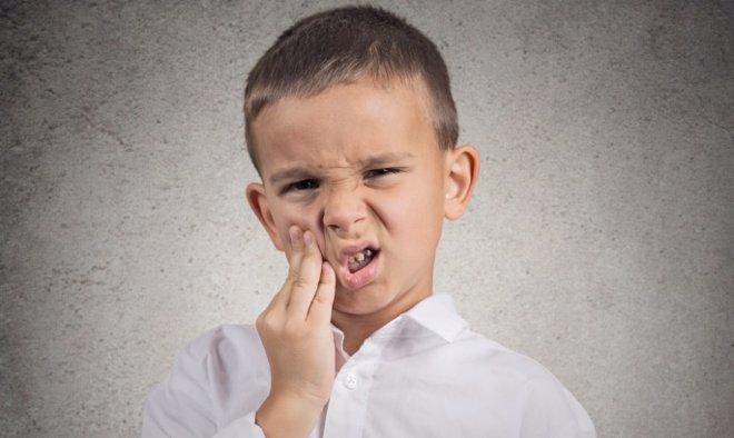 Foto: ¿Qué alimentos dañan más tus dientes? (GETTY/CHIOSEA_ION)
