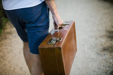 Foto: Hombres vs mujeres, ¿quién es más eficaz haciendo la maleta? (EUROPA PRESS)