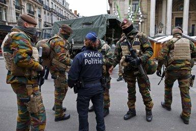 La Policia federal desplegarà 500 agents per la tornada a la normalitat de Brussel·les (BENOIT TESSIER / REUTERS)