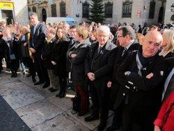 Membres de la Diputació de Barcelona recorden les víctimes de violència masclista (EUROPA PRESS)