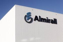 Almirall compra el 100% de la societat 'holding' de Poli Group per 365 milions d'euros (ALMIRALL)