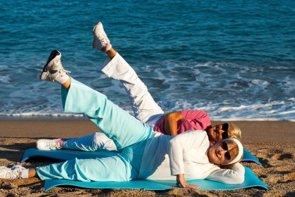 Estiramientos: en forma para retrasar el envejecimiento (GETTY/KARELNOPPE)