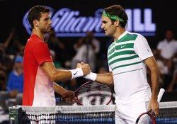 Federer se sotmet a una operació de menisc i causarà baixa a Rotterdam i Dubai (JASON O'BRIEN / REUTERS)