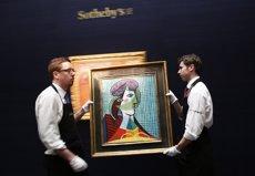 Venut a Londres el retrat 'Tete de femme' de Picasso per 24,8 milions d'euros (STEFAN WERMUTH / REUTERS)