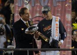 La defensa dels Broncos anul·la Newton i dóna el comiat somiat a Manning (KELLEY L COX)