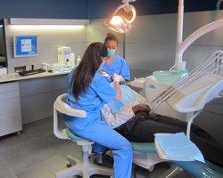 Impulsen una clínica dental solidària que atendrà a pacients en risc d'exclusió (EUROPA PRESS)
