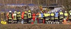 Augmenten a deu els morts pel xoc de dos trens a Baviera (YOUTUBE)