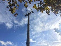 Endesa substitueix dos seccionadors aeris a dues zones rurals del Baix Llobregat (ENDESA)