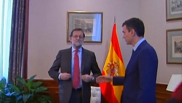 Rajoy y Sánchez ni siquiera se dan la mano en su reunión